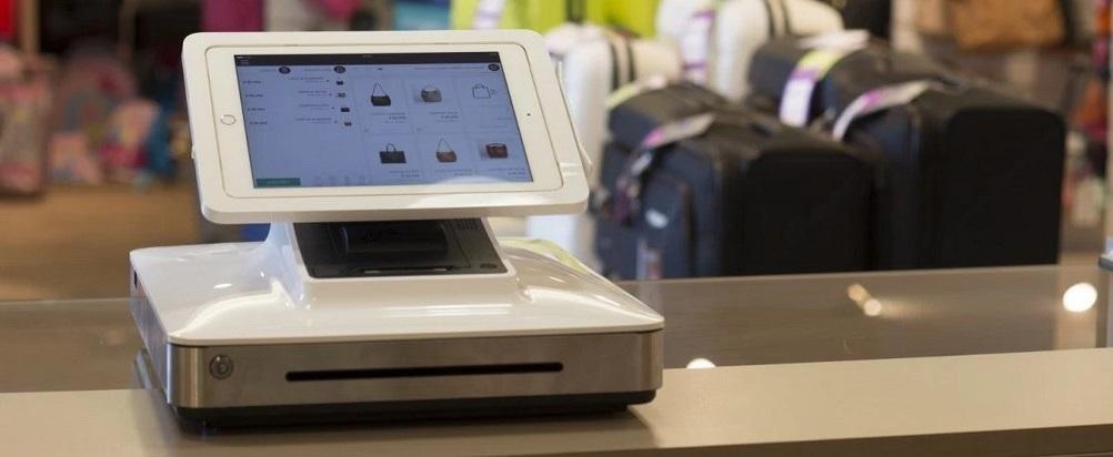Une caisse enregistreuse dans un commerce
